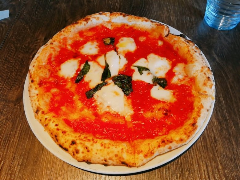Pizzeria La Gitaのマルゲリータ