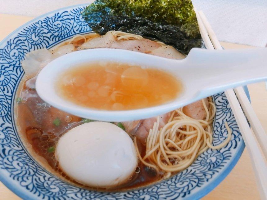 肉中華のスープ