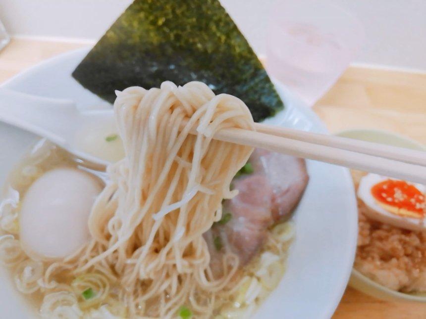 塩中華の麺