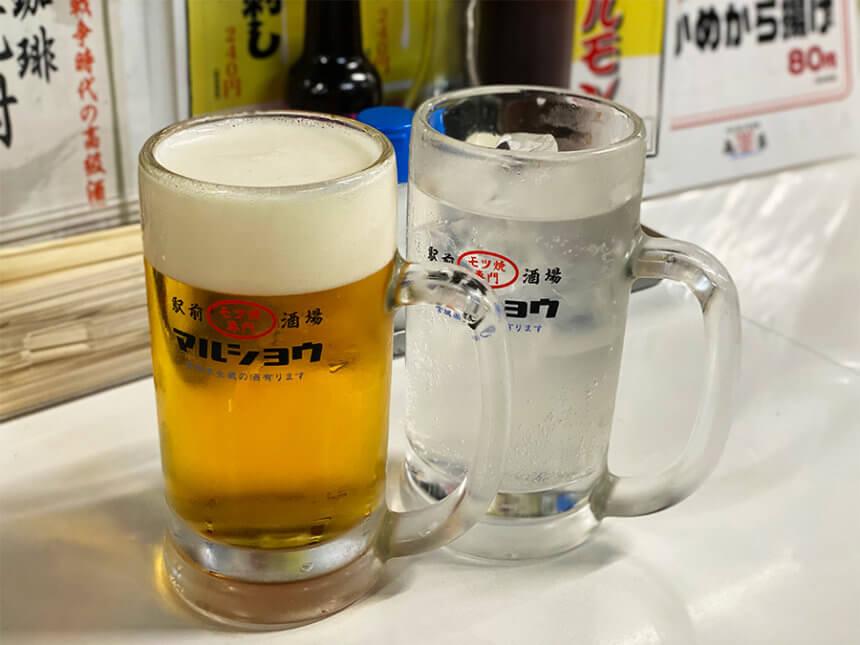 丸昌のビールとレモンサワー