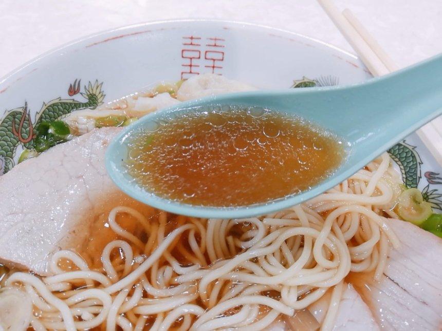 ワンタンチャアシュウメンのスープ