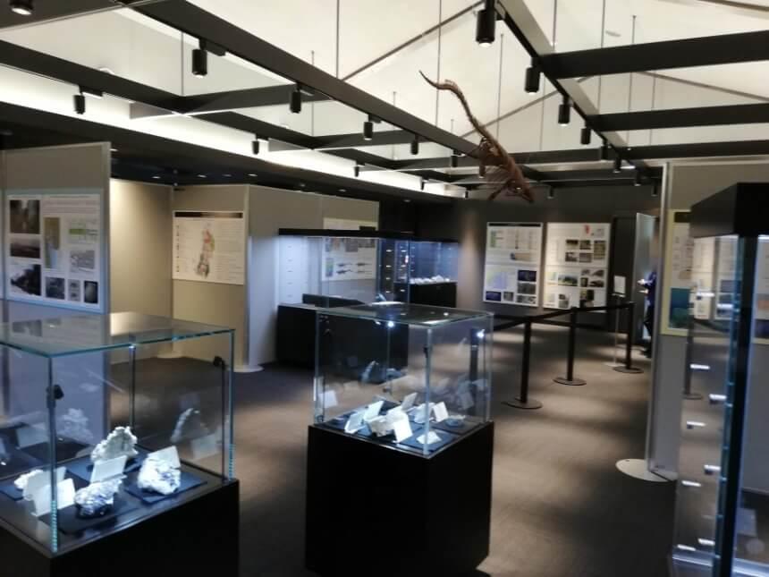 松島離宮博物館の内部