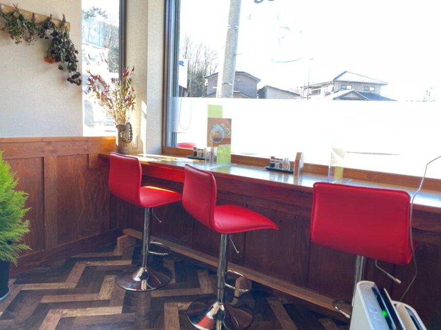 キッチンTAKAのカウンター席