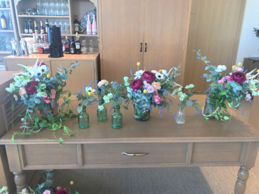 ディスプレイされた花瓶
