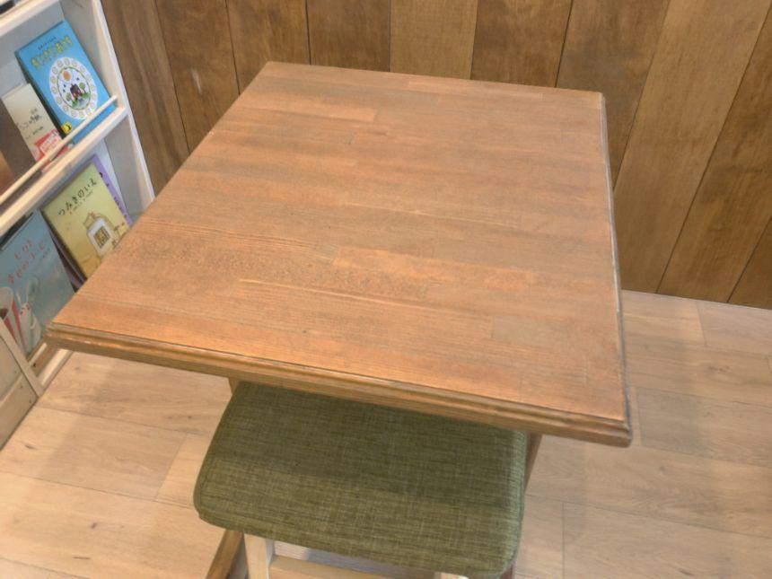 手作りのテーブル