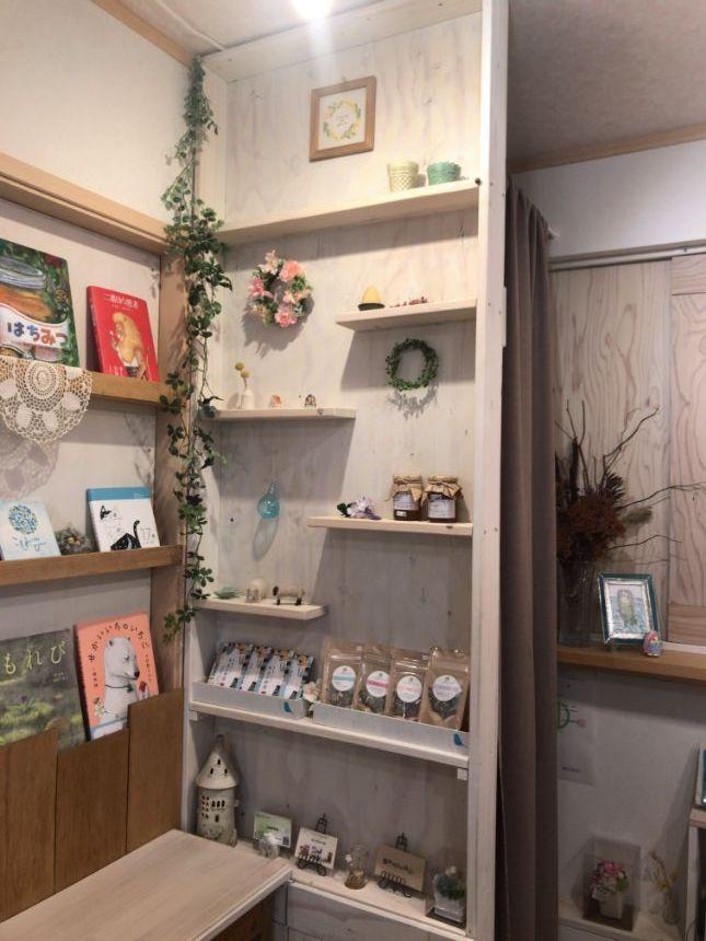 手作りの飾り棚