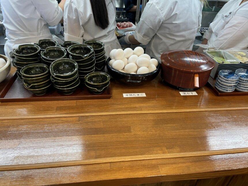 無料の生卵と半熟卵