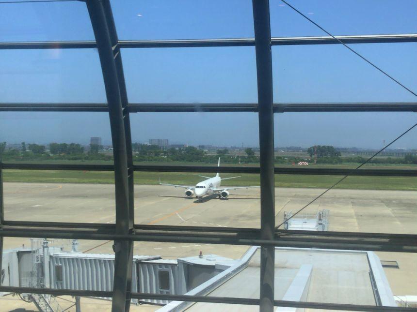 窓から見た離着陸場