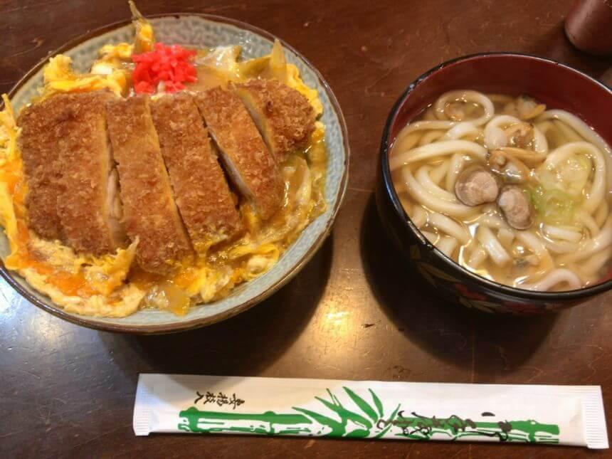 カツ丼とアサリうどん(サービスランチ)