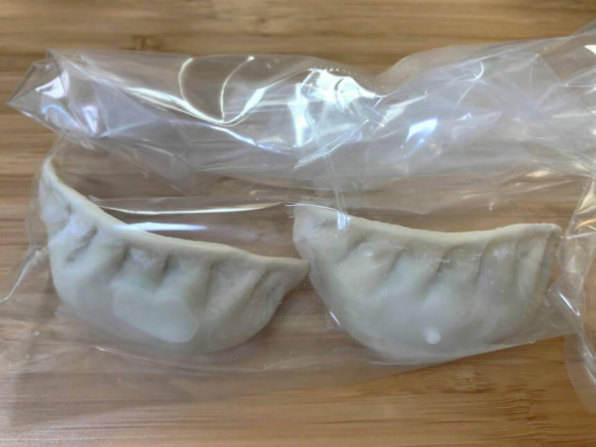 冷凍餃子入りのビニール袋