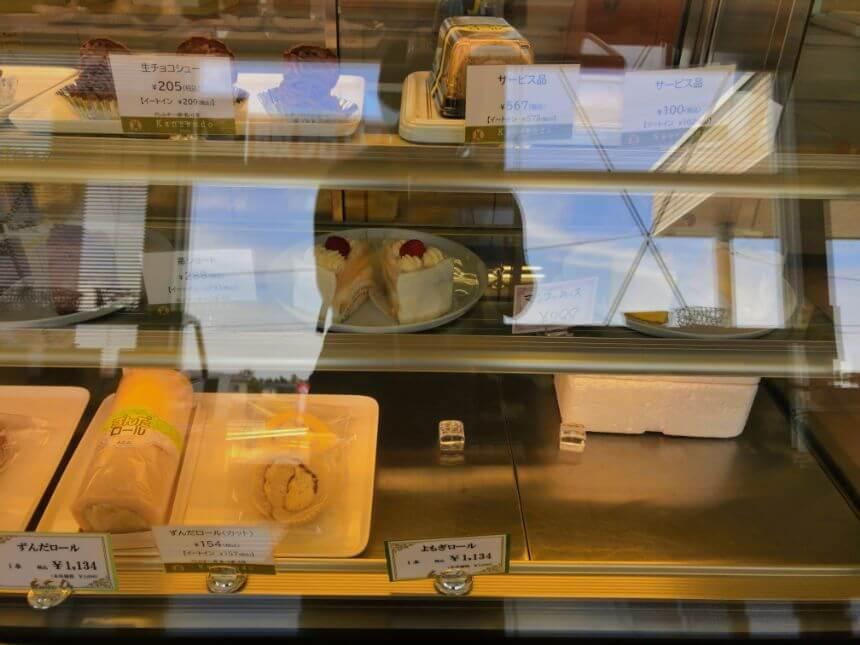 冷蔵洋菓子コーナー(右側)