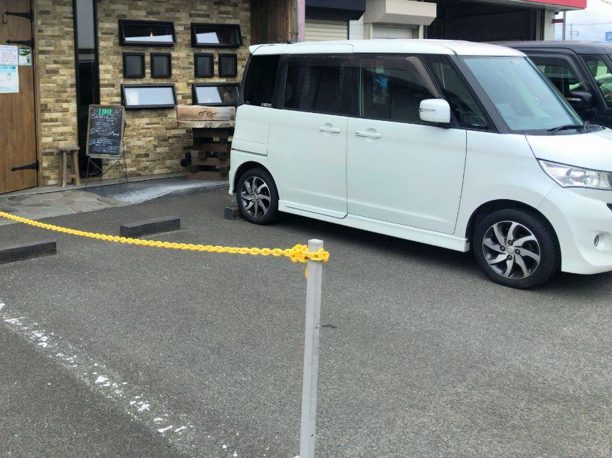 Café 食堂 Laughの駐車場