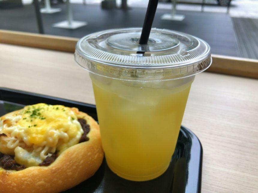 青森の完熟りんごジュース
