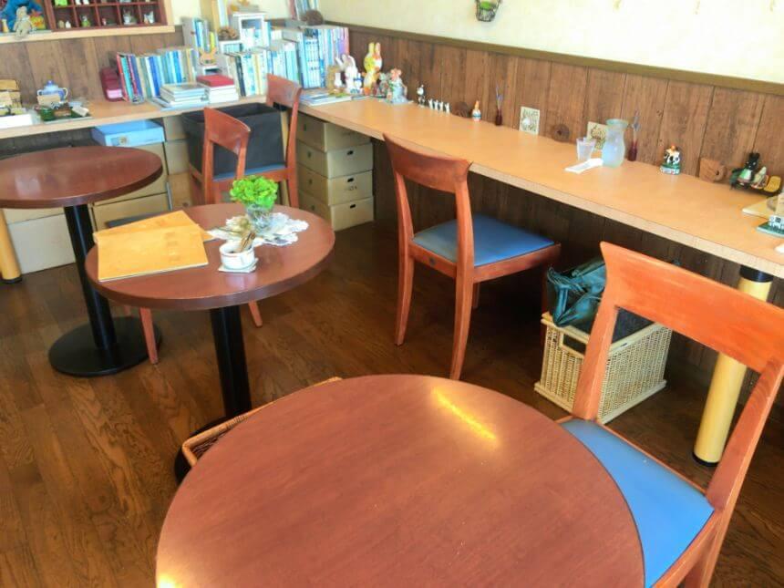 1人用のテーブル席
