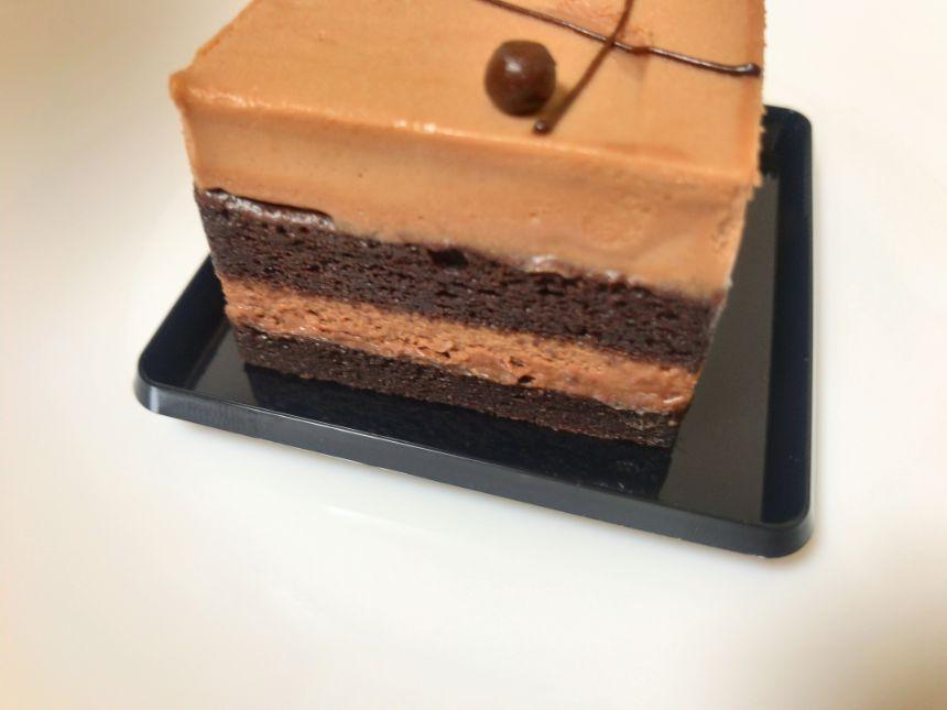 チョコレートケーキの側面