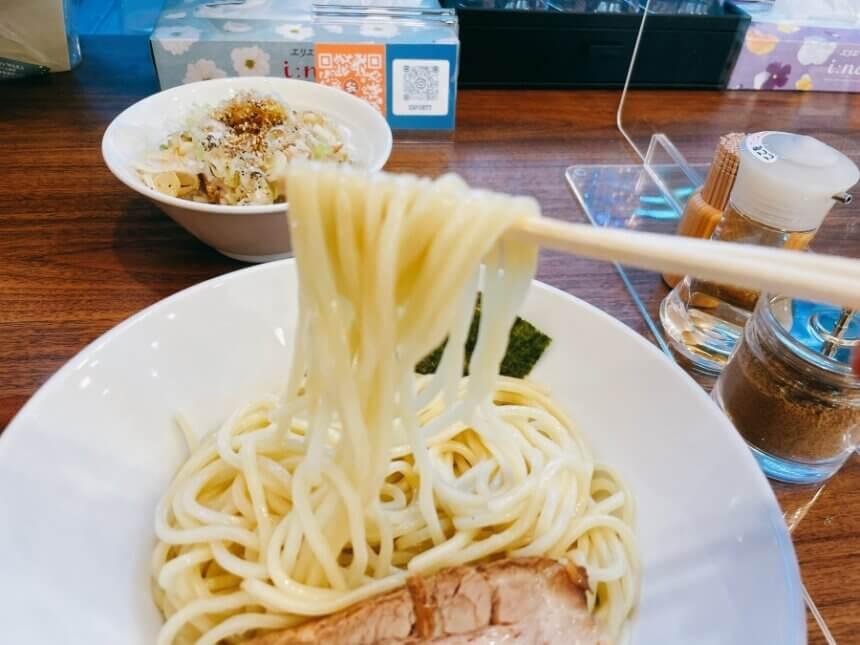魚つけ麺の麺
