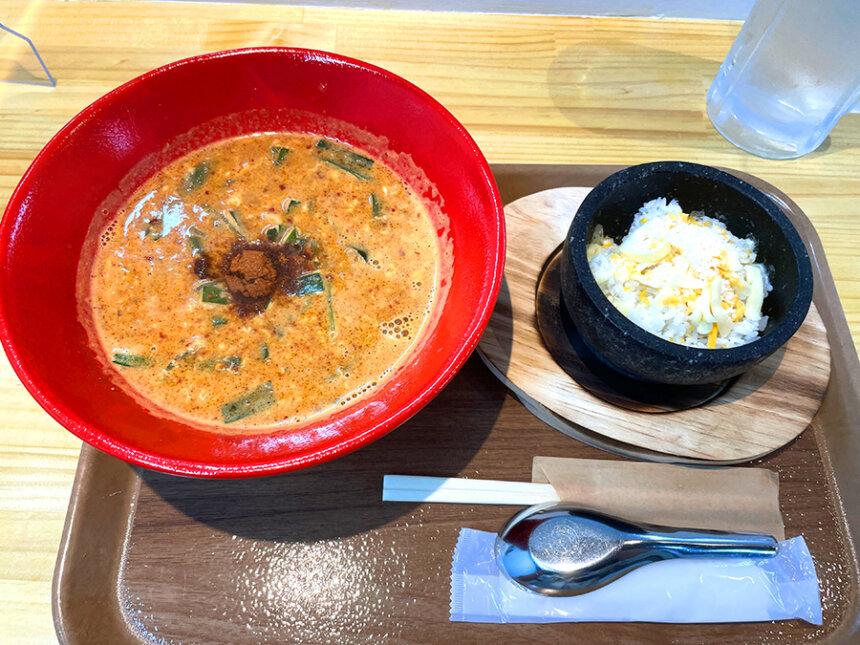エビ辛麺と石焼ご飯