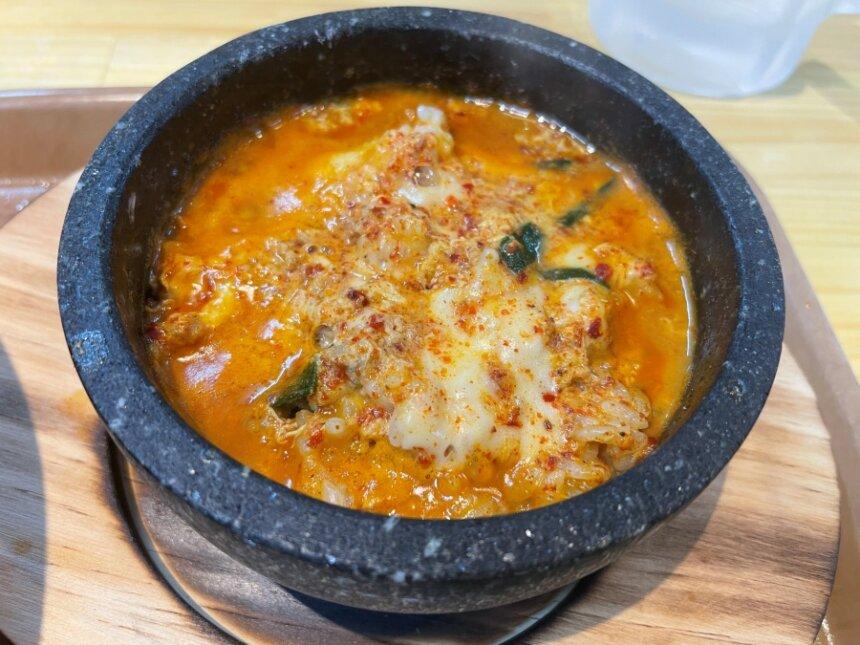 スープを淹れた石焼ご飯