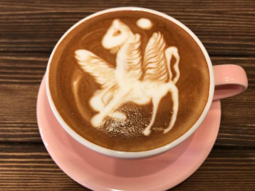 アートが美しいカフェラテ