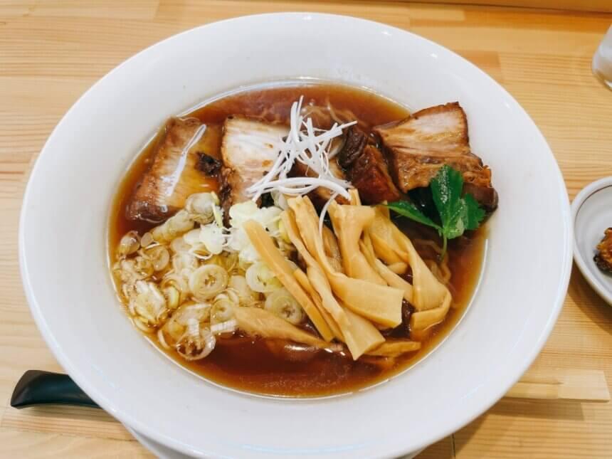 ら・yoshino の醤油ラーメン