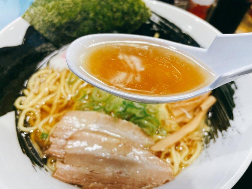 八木ラーメンのスープ