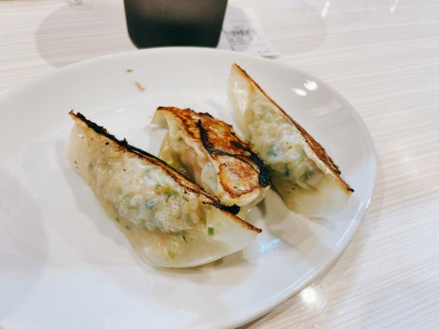 麺や椿の餃子